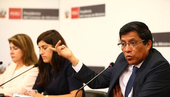 Zeballos informó ayer que Rocío Barrios y Carlos Lozada, investigados por presuntos delitos de corrupción, se mantendrán en sus cargos. (Foto: Hugo Curotto / GEC)