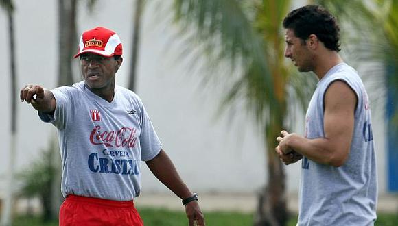 Claudio Pizarro incluyó a Julio César Uribe entre los directores técnicos que le gustaría que le vuelvan a dirigir. (Foto: AFP)