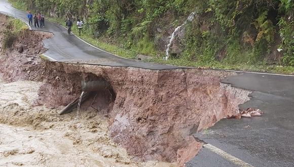 La carretera que une las regiones de San Martín y La Libertad quedó afectada en dos tramos, mientras que dos puentes de esta vía fueron dañados. (Foto: Gobierno Regional de San Martín)