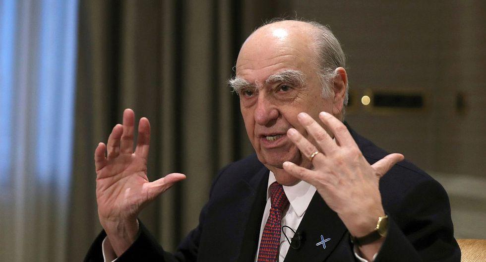 El ex presidente de Uruguay Julio María Sanguinetti dijo que debe pesar más el proceso jurídico que el político en el caso de Alan García. (Foto: EFE)