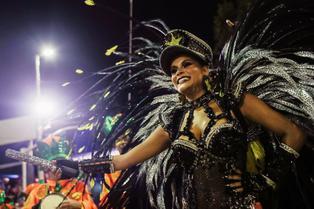 La pandemia del coronavirus deja el Carnaval de Río en suspenso