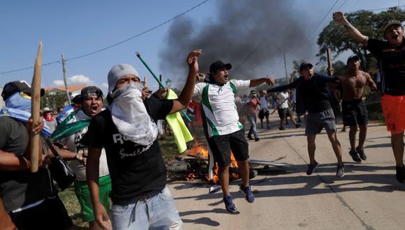 La imagen muestra la confrontación entre seguidores y detractores de Evo Morales en Santa Cruz el jueves pasado. (Foto: Reuters)