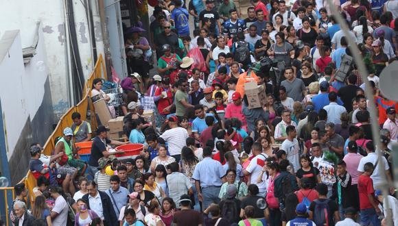 Panorama de cómo se vivieron las compras navideñas en Lima, el pasado diciembre. (Foto: Rolly Reyna)