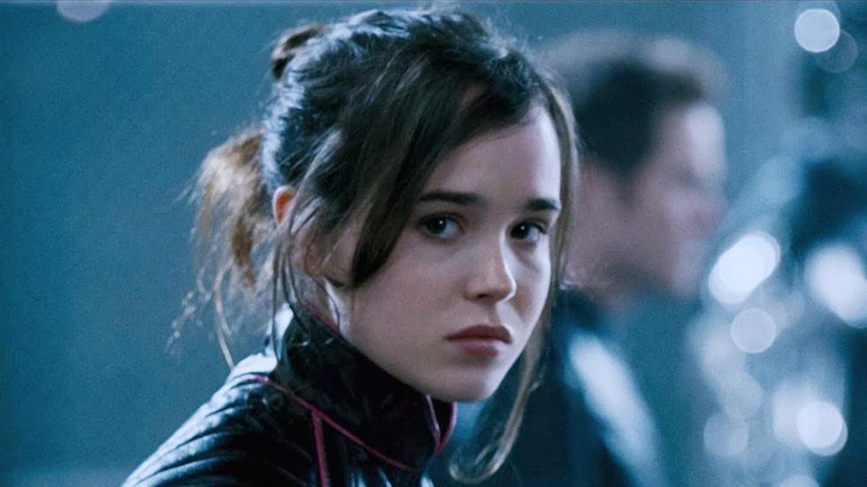 """En el 2006, Elliot Page formó parte del elenco de """"X-Men 3: La batalla final"""".  Uno de los papeles que lo lanzó a la fama. El descubrimiento de una cura para las mutaciones divide la situación en dos bandos. Los mutantes pueden elegir abandonar sus poderes y convertirse totalmente en humanos o continuar con sus habilidades y seguir aislados. Una guerra entre los seguidores de Charles Xavier, quien pregona la tolerancia, y los partidarios de Magneto, quien se inclina por la ley del más fuerte. (Foto: Fox)"""