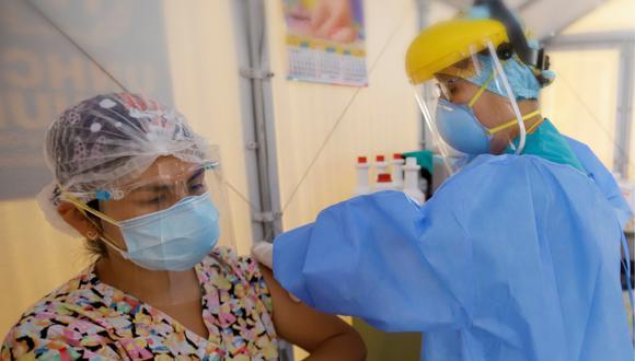 """Enfermera del hospital Hipólito Unanue de Tacna: """"Aprendí a sonreír con los ojos"""" en la pandemia (Foto: Gore Tacna)"""