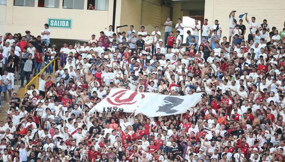 El cuidado de la salubridad suele brillar por su ausencia en los estadios peruanos. (GEC)