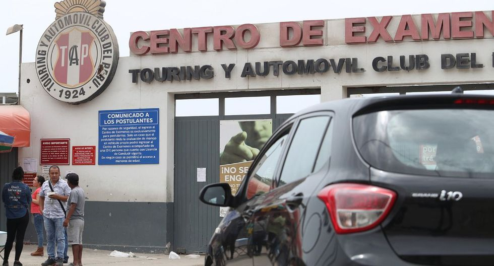 El centro de emisión de licencias de conducir de Conchán funcionaba dentro del local del Touring en Villa El Salvador. La medida no afecta al centro de exámenes del Touring (Foto: Rolly Reyna).