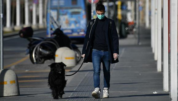 La OMS afirmó que no existe evidencia que indique que el coronavirus desaparecerá con la llegada del verano. (Foto: Referencial/AFP)