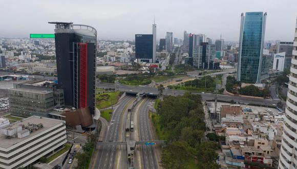 Una fotografía de las calles desiertas de Lima debido al estado de emergencia decretado por el Gobierno para frenar el avance del COVID-19 en el territorio nacional, esta semana. (Alonso Chero/GEC).