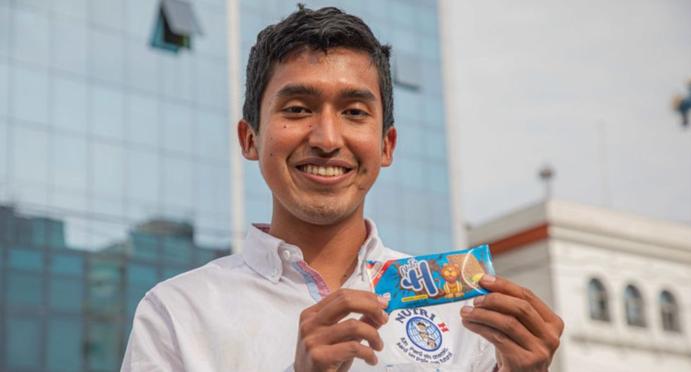 Julio Garay Barrios, talento de Beca 18 en la región Ayacucho, es creador de las galletas contra la anemia Nutri Hierro, ahora llamadas Nutri H. (Foto: Andina)
