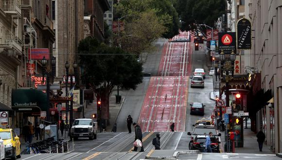 """Seis condados en el área de la Bahía de San Francisco (California), con 6,6 millones de habitantes, impondrán desde este lunes el confinamiento en sus casas de los residentes de la zona y el cierre de todos los negocios no """"esenciales"""" ante el brote del nuevo coronavirus. (AFP)"""