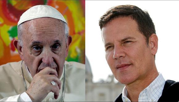 """El papa Francisco a Juan Carlos Cruz, víctima de abusos en la Iglesia: """"Dios te hizo gay y te quiere así"""". (Reuters)."""