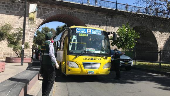 Arequipa: La municipalidad provincial de Arequipa impuso cien multas a choferes de transporte público por no cumplir con normas de bioseguridad. (Foto Referencial)