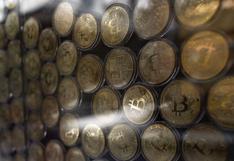 Bancos en China prometen acatar prohibición de realizar operaciones con bitcoin