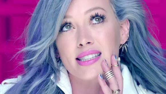 Algunas celebridades han decidido jugar con su cabello durante esta cuarentena y lo han teñido de colores fantasía