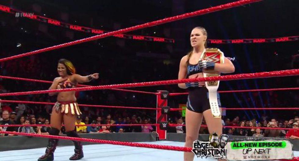 Ember Moon y Ronda Rousey vencieron a Tamina y Nia Jax | Foto: WWE