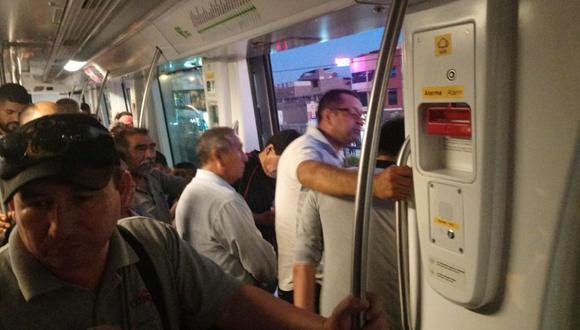 La empresa operadora del Metro de Lima anunció que todo se debió a una falla eléctrica.  (WhatsApp)