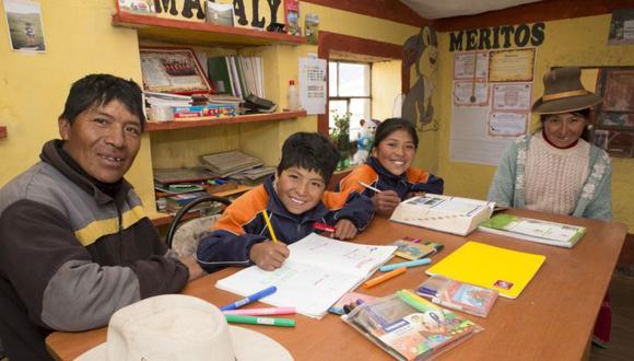 Es importante que los padres de familia acompañen a sus hijos durante su etapa escolar   Foto: Difusión