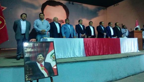 El reconocimiento a la dedicación de Ricardo Pinedo lo coloca a la expectativa de un alto cargo. (Foto: PAP)