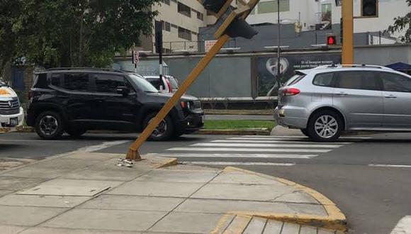 Menor caminaba por las avenidas Javier Prado y Guardia Civil cuando un semáforo le cayó en la cabeza. (Foto referencial)