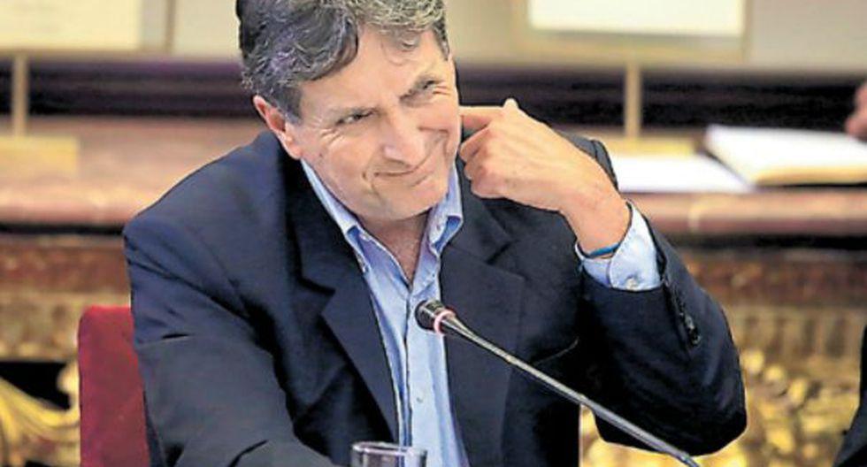 Pablo de la Flor asistió a la primera audiencia pública de la comisión parlamentaria que supervisa el proceso de reconstrucción. (Foto: Jessica Vicente)