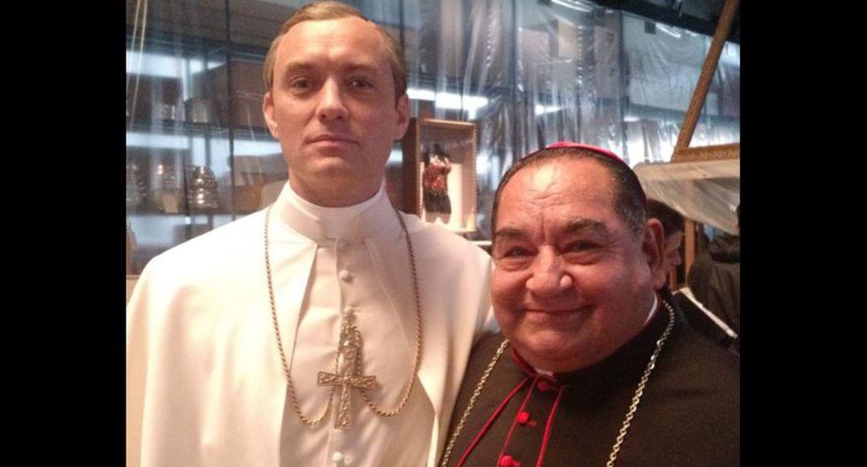 """El actor peruano Ramón García se alista para la segunda temporada de """"The pope Young"""", serie de HBO, co producida en Italia. (Foto: Facebook)"""