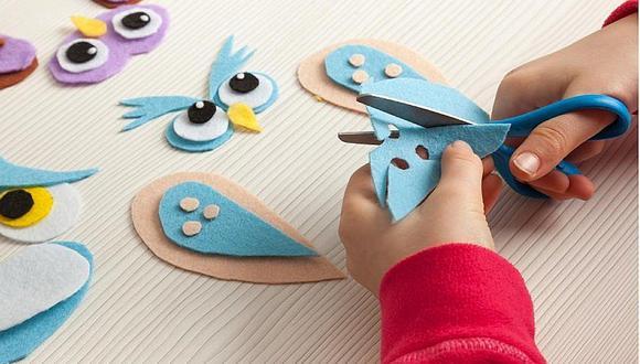 Hacer manualidades es una actividad recomendada para los niños en estas vacaciones. (Foto: Difusión)