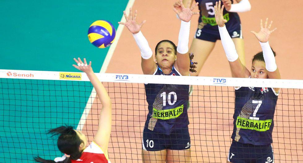 La selección peruana de vóley sub 18 superó a su similar de China en cuatro sets (25-17, 22-25, 25-18, 25-18). Perú sigue con vida en el torneo y debe vencer a Turquía en la última fecha. Foto: FPV