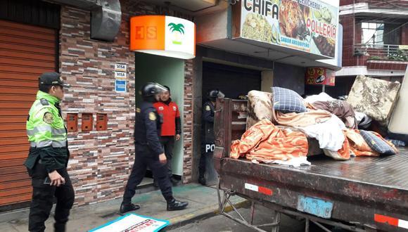 Desde esta madrugada se realiza una inspección en hostales y comercios en el distrito de San Martín de Porres, a raíz del doble crimen ocurrido en el hostal Señor de Sipán. (Foto: Lino Chipana)