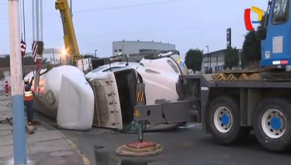 El camión cisterna trasladaba gas licuado. (Foto: Captura/Buenos Días Perú)
