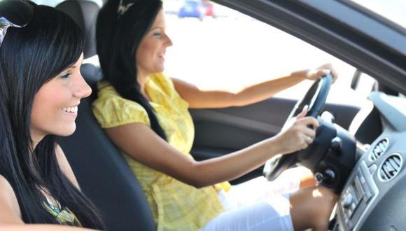 ¿Qué características valoran las madres a la hora de adquirir un auto? (Foto: Andina).