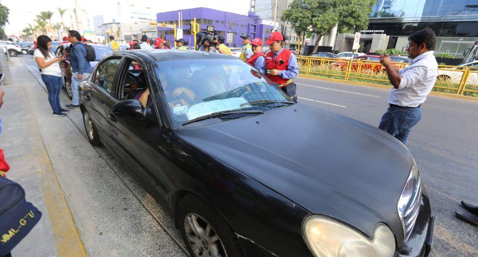 Como resultado de la intervención, 19 vehículos fueron enviados al depósito municipal por realizar transporte de taxi colectivo, entre otras infracciones. (Foto: @ATU_GobPeru)