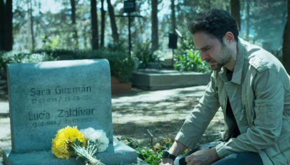 Manuel Cardona interpreta a Álex Guzmán, quien busca resolver el misterio de la muerte de su hermana y encontrar a los responsables del crimen (Foto: ¿Quién mató a Sara? / Netflix)
