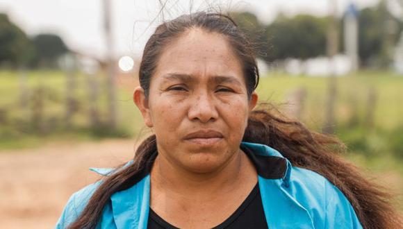 Juana Benítez, madre del raptado Adelio Mendoza, este sábado en la Estancia Tranquerita, propiedad del también raptado, exvicepresidente Óscar Denis en el departamento de Amambay, Paraguay. (Foto: EFE/Nathalia Aguilar).