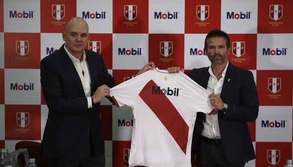 La selección peruana tiene nuevo sponsor oficial: la marca Mobil. (Foto: FPF)