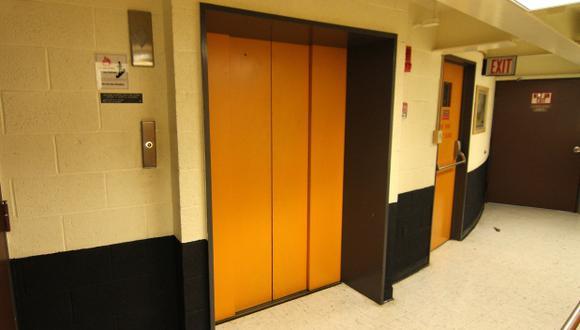 Inventan un ascensor que sabe a cuál piso vas