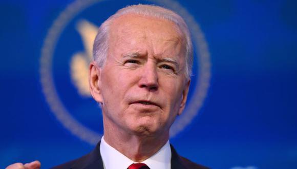 El presidente electo de Estados Unidos, Joe Biden, pronuncia comentarios sobre su plan para administrar las vacunas Covid-19 en el teatro The Queen en Wilmington, Delaware. (Foto: Angela Weiss / AFP).