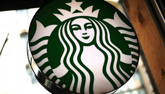 Starbucks cerrará 8,000 tiendas en Estados Unidos el 29 de mayo por un entrenamiento de prejuicio racial.