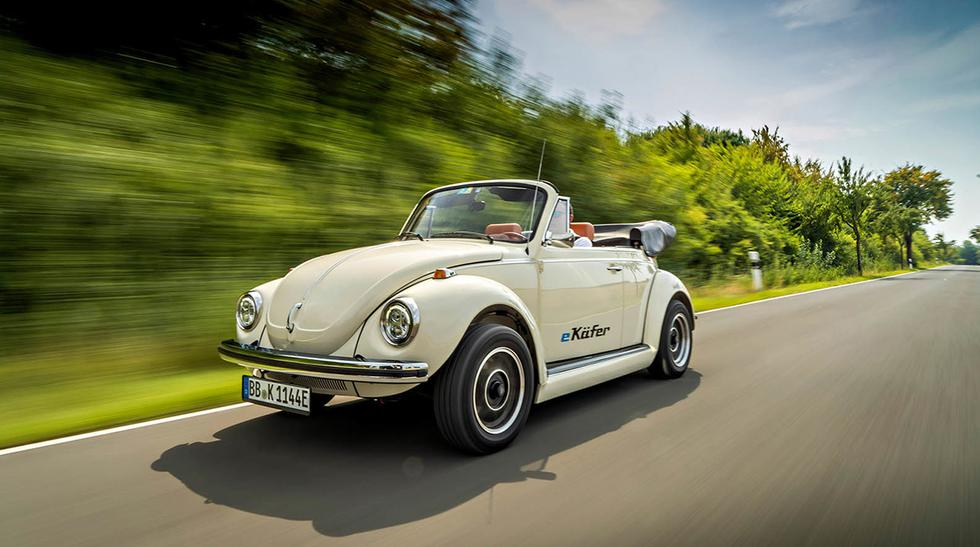 Luego de una hora de carga, la versión eléctrica y descapotable del Volkswagen Beetle ofrecerá 150 km de autonomía. (Fotos: Volkswagen).