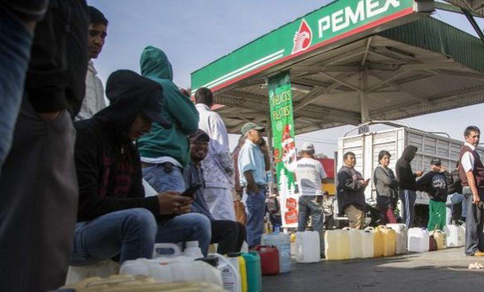 """López Obrador pide no entrar en """"pánico"""" ante escasez de combustible en México. (Foto: AFP)"""