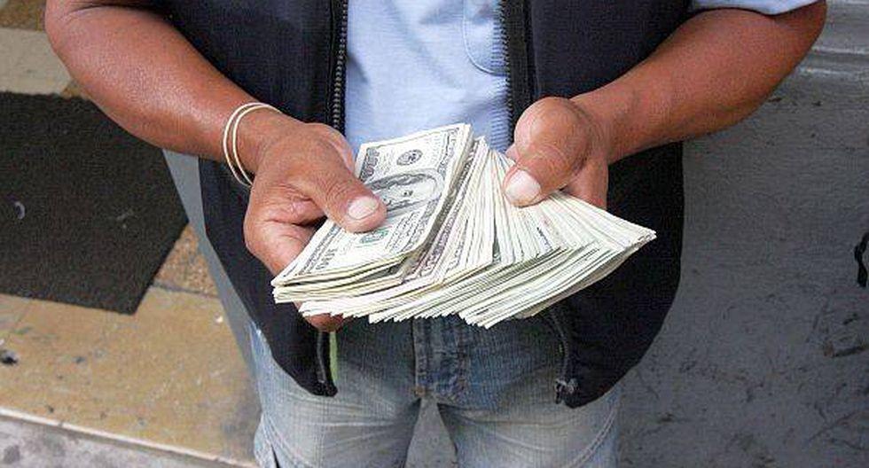Dólar retrocedió a S/.2,803 por toma de ganancias