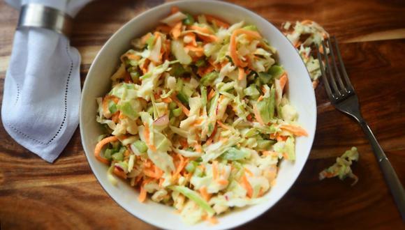 La ensalada americana está hecha con col cortada en tiras finas. (Foto: Pixabay)