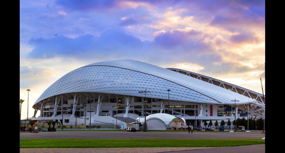 El estadio Fisht de Sochi se sitúa a orillas del Mar Negro y semeja una concha de mar. Foto: Shutterstock