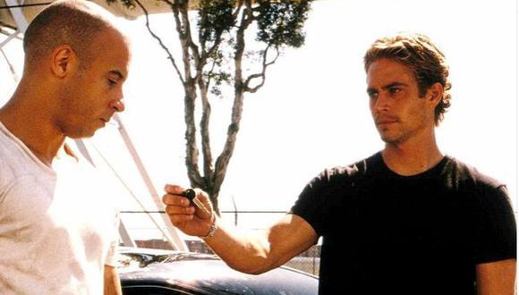 """Brian O'Conner le paga a Dom Toretto la deuda del auto de 10 segundos en """"Rápidos y Furiosos"""". (Foto: Instagram/Paul Walker)"""
