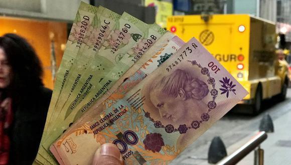 La depreciación de la moneda argentina bordea el 50% desde enero de este año. (Foto: Reuters)