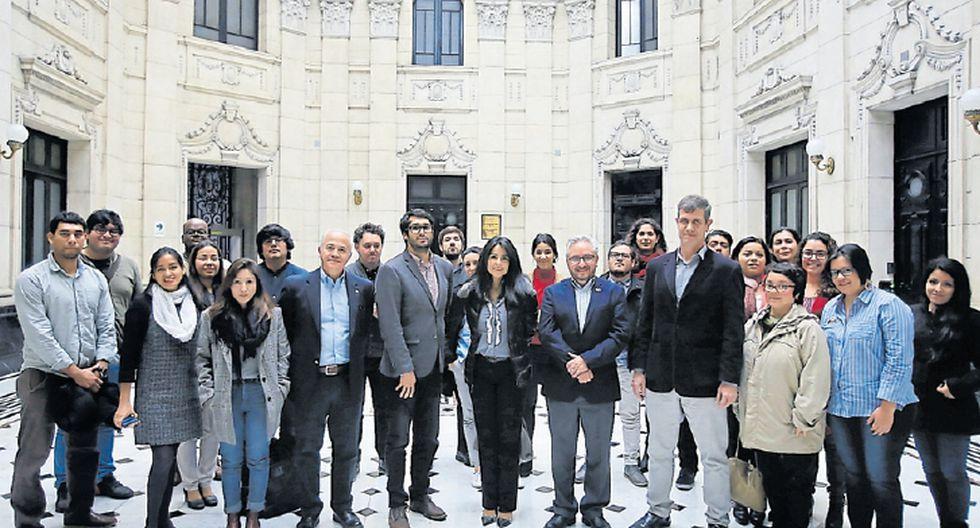 Taller para periodistas continúa hoy en instalaciones de El Comercio.