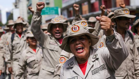 Miembros de la Milicia Bolivariana participan en una manifestación rumbo a la Asamblea Nacional de Venezuela, en Caracas, el 10 de marzo de 2020. (Foto de CRISTIAN HERNANDEZ / AFP).