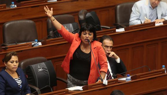 La congresista de Fuerza Popular, Esther Saavedra, fue a comparecer por una investigación sobre su hoja de vida, según reportaron medios locales. (Foto: Archivo El Comercio)