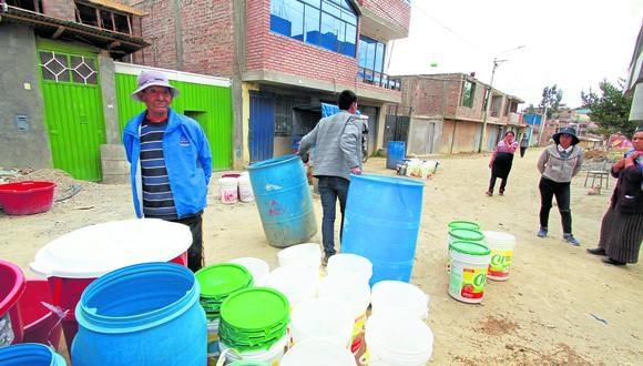 Pobladores de pampa ocopilla denuncian no tener agua hace más de 6 meses. Fotos\Caleb Mendoza.