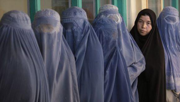 Las 29 prohibiciones que los talibanes imponen a las mujeres